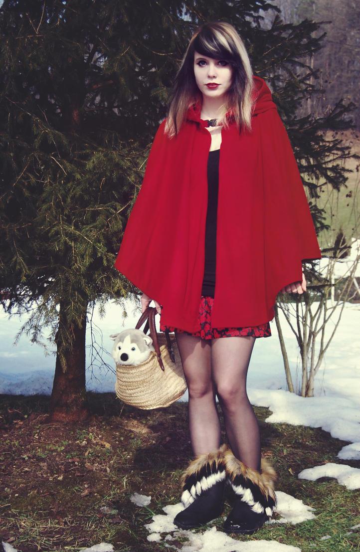 Red riding hood by leKikwi