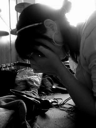 cry by m6nxbabejeii - YeniLer geLdi :)