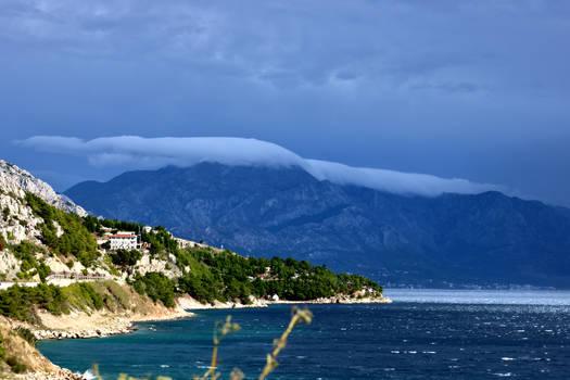 Sleeping cloud by martinatera