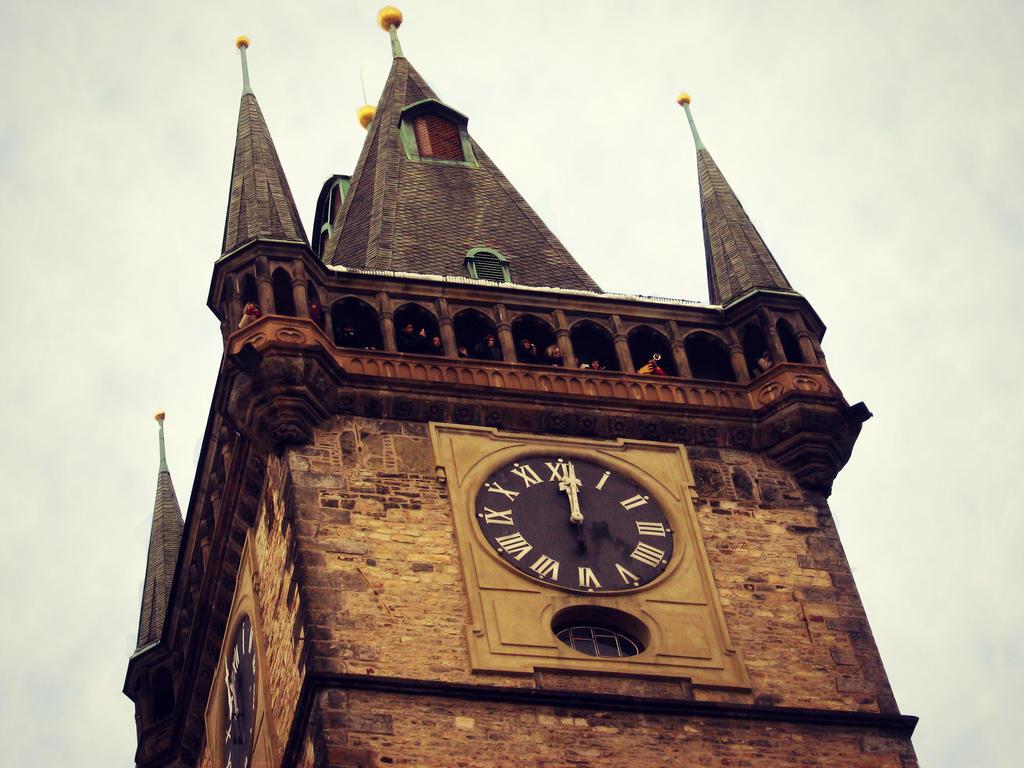 Prague Astronomical Clock by SeiMissTake