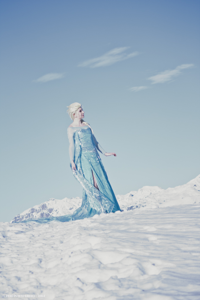 Elsa - a kingdom of isolation by rotschwarze