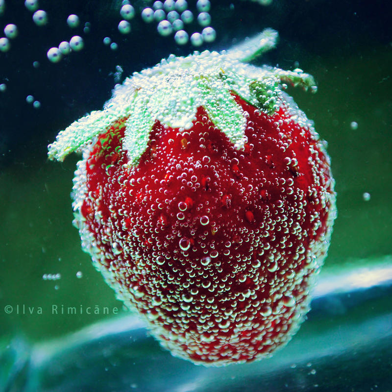 tox. strawberrie by iilva