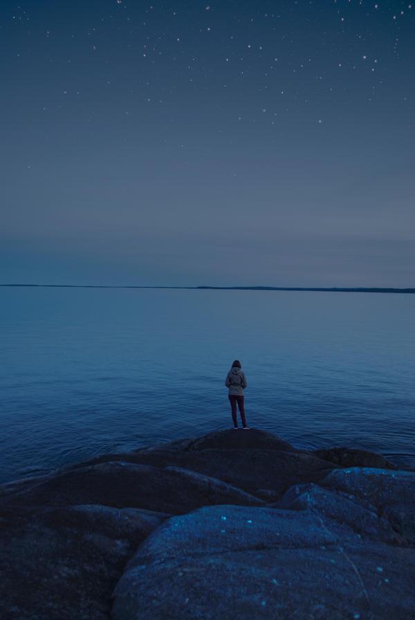 A walk by the sea by iilva