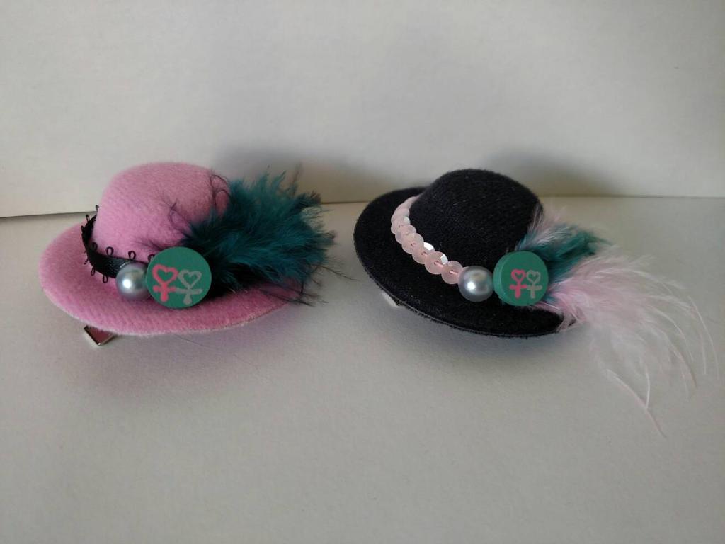 Sappho Itty Bitty Hats by Smerkalot