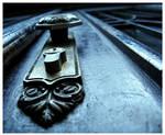 close the door by zechic