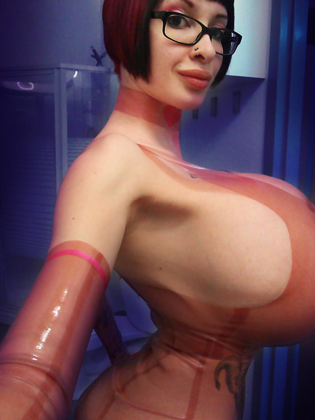 Big boobs emma green nude