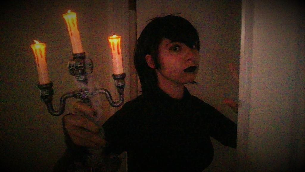 Mavis Dracula Leaving To See The World by Kyaserin300