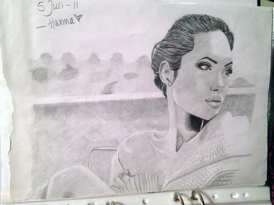 Angelina Jolie by HannaUlander