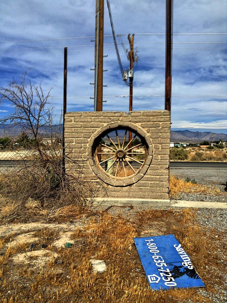Wagon Wheel Gate-HDR by AthenaIce