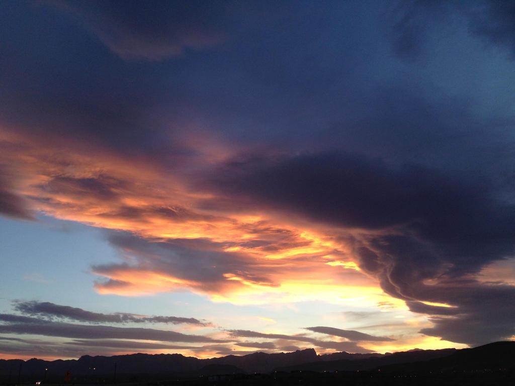 Las Vegas Sunset by AthenaIce