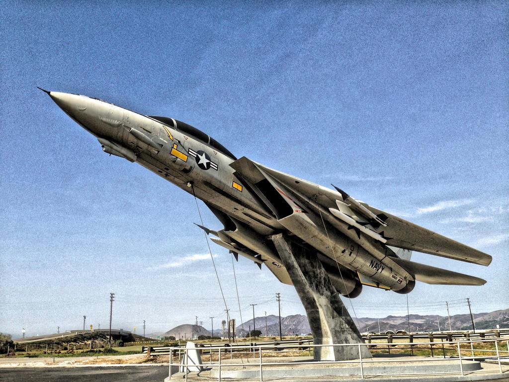 F-14 Tomcat left side by AthenaIce