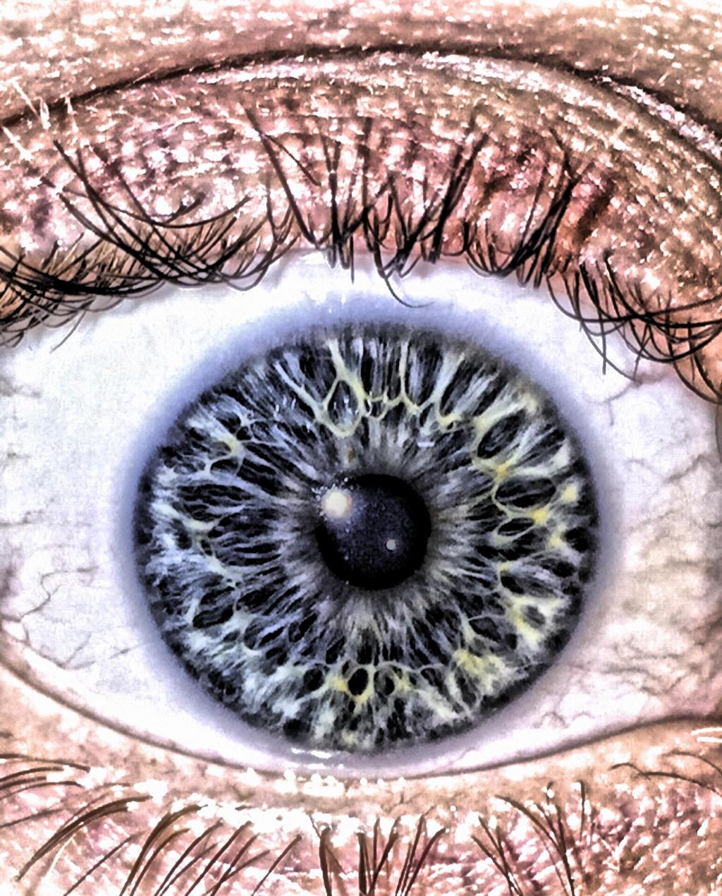 James's Eye HDR by AthenaIce