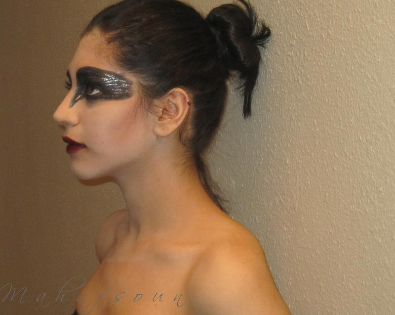 Black Swan 2 by Mahafsoun