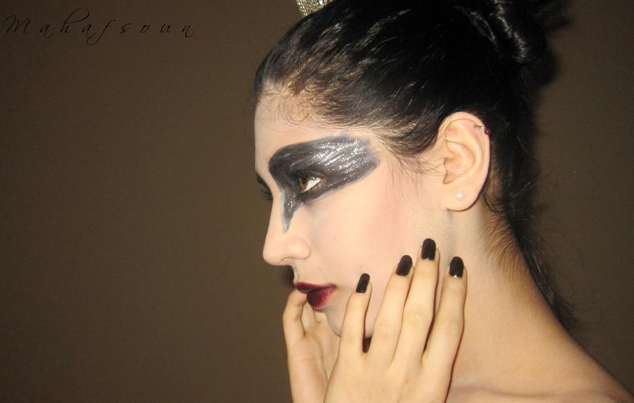 Black Swan 1 by Mahafsoun