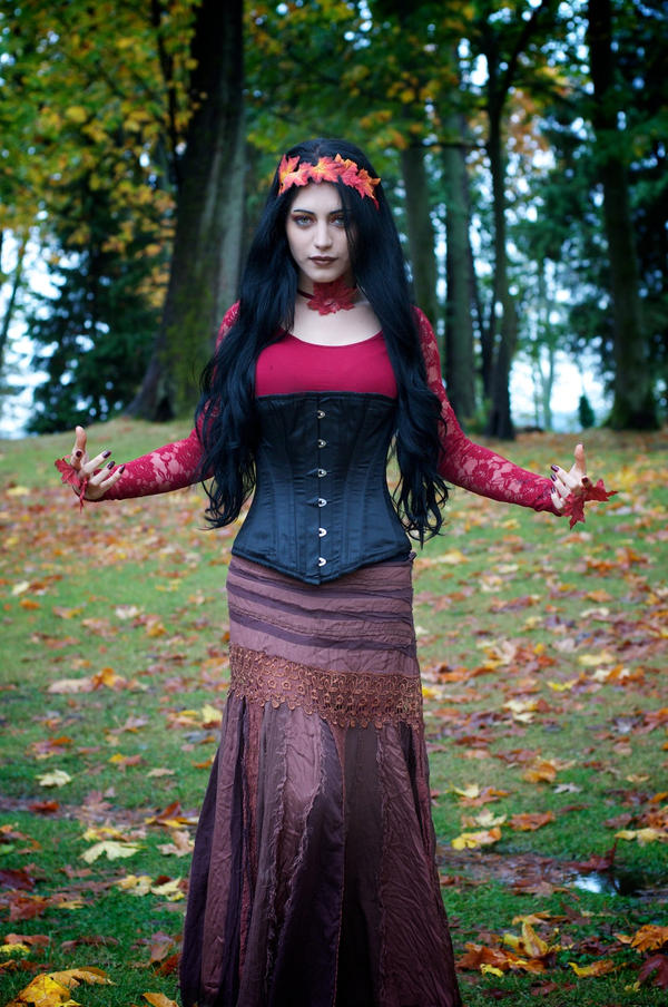 Lady Autumn by Mahafsoun