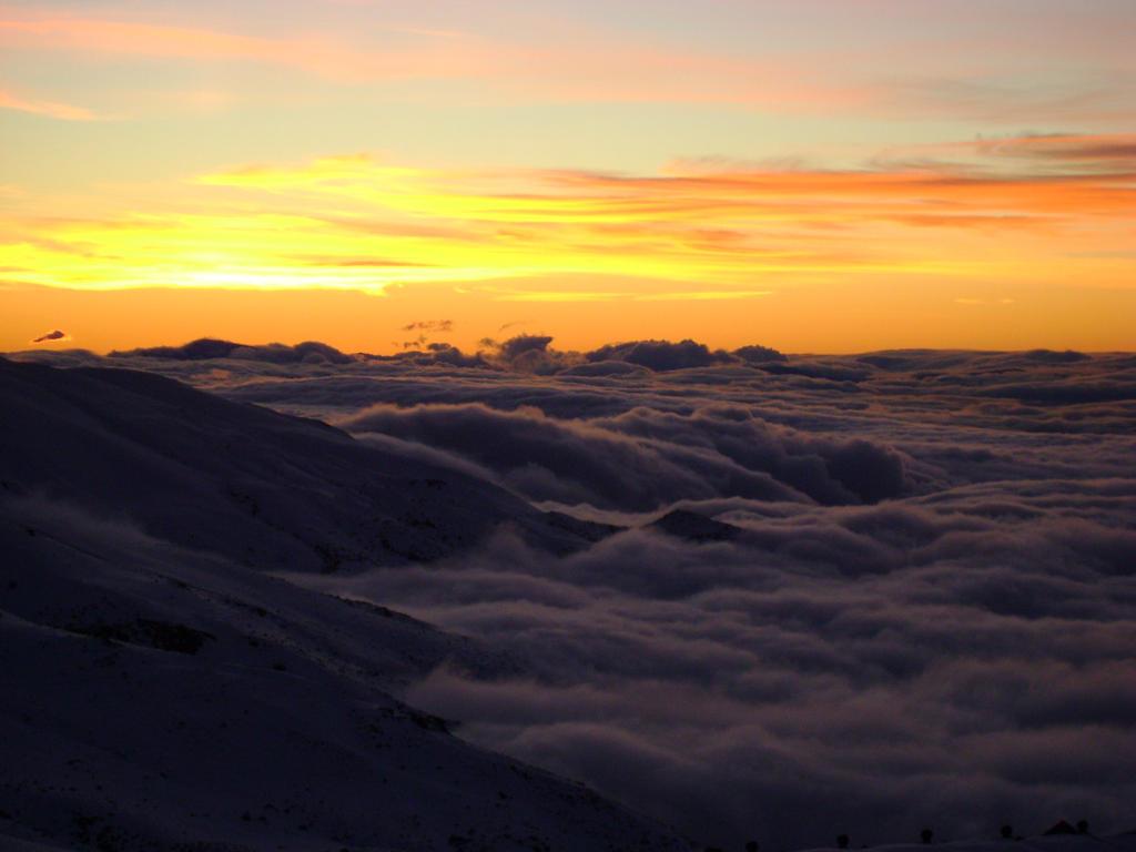 Sea of clouds by Orain-seinn