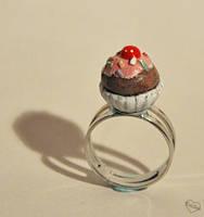 Cupcake ring by Kridah