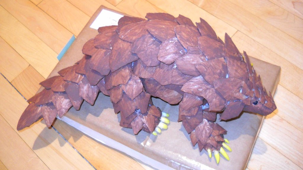 Pangolin Sculpture by hwango