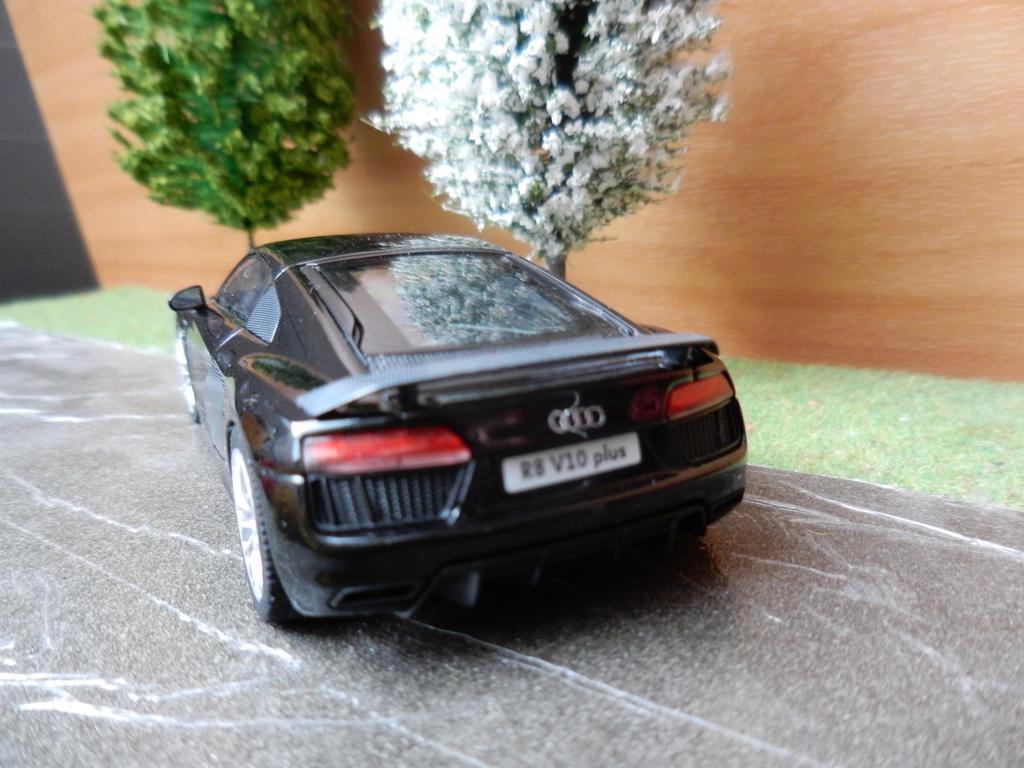R8 rear by modelcargallery98