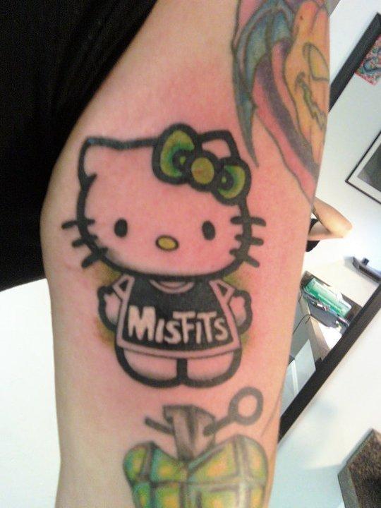 pin hello misfit kitty 25 pretty bow tattoo designs on pinterest. Black Bedroom Furniture Sets. Home Design Ideas