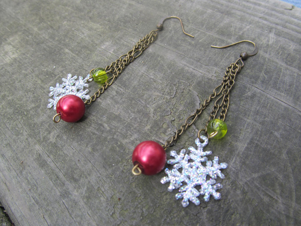 Unique handmade christmas earrings by athenasarticles on