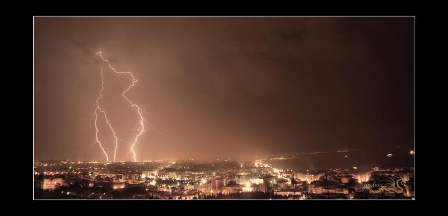 Thunderstrike by archonGX