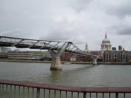 Millennium Bridge by pietruszkowa