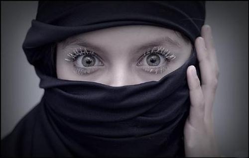 eye_009 by saleem007