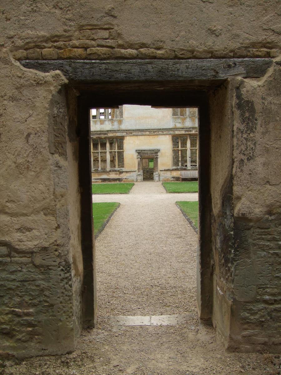 Door Through Door. by SkullsCrystal