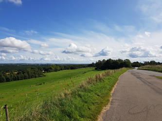 Countryside Horizon by casper033