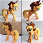 Handmade: Applejack sculpture