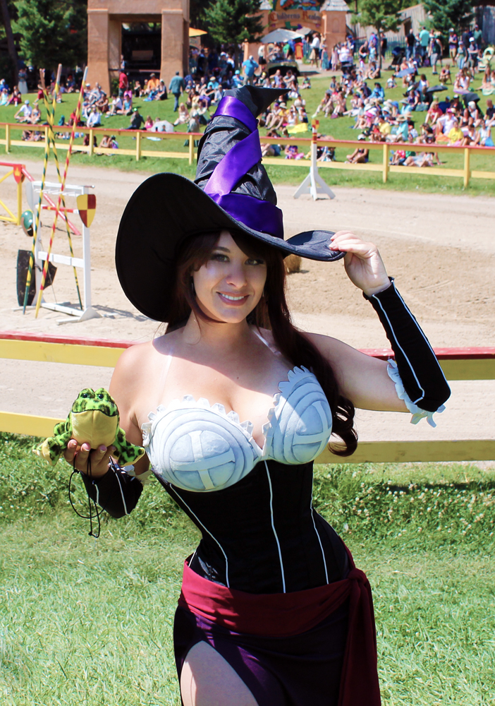 Smiling Sorceress by HeatherCosplay