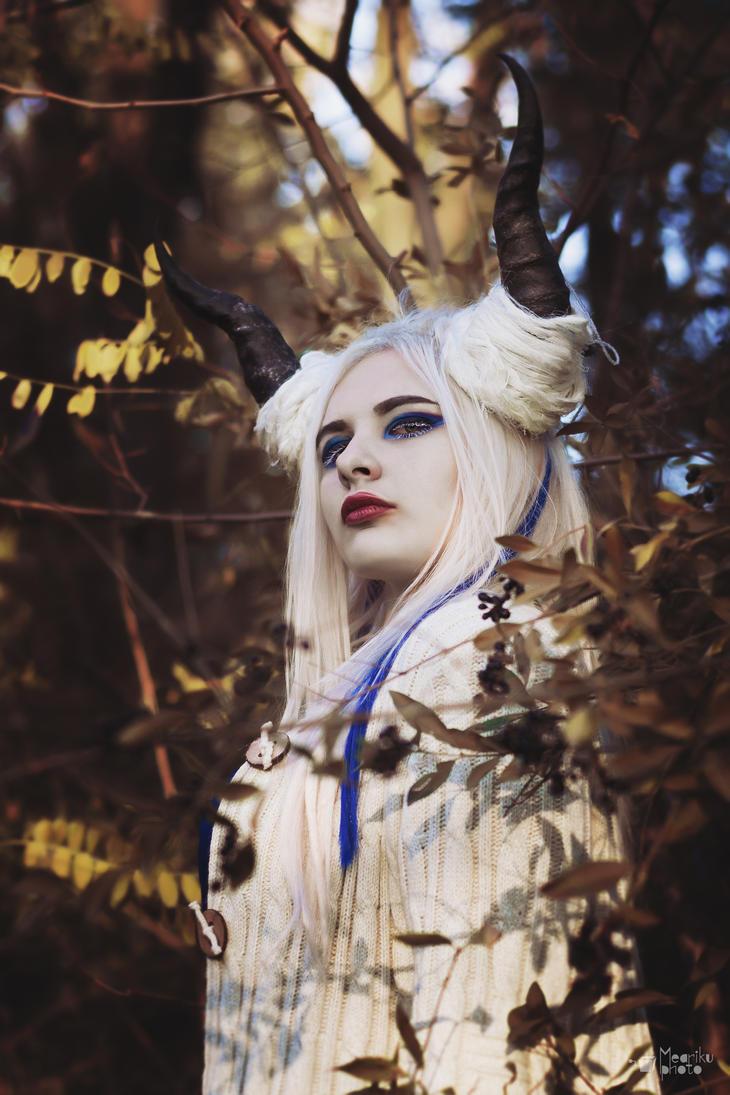Demoness by Meariku