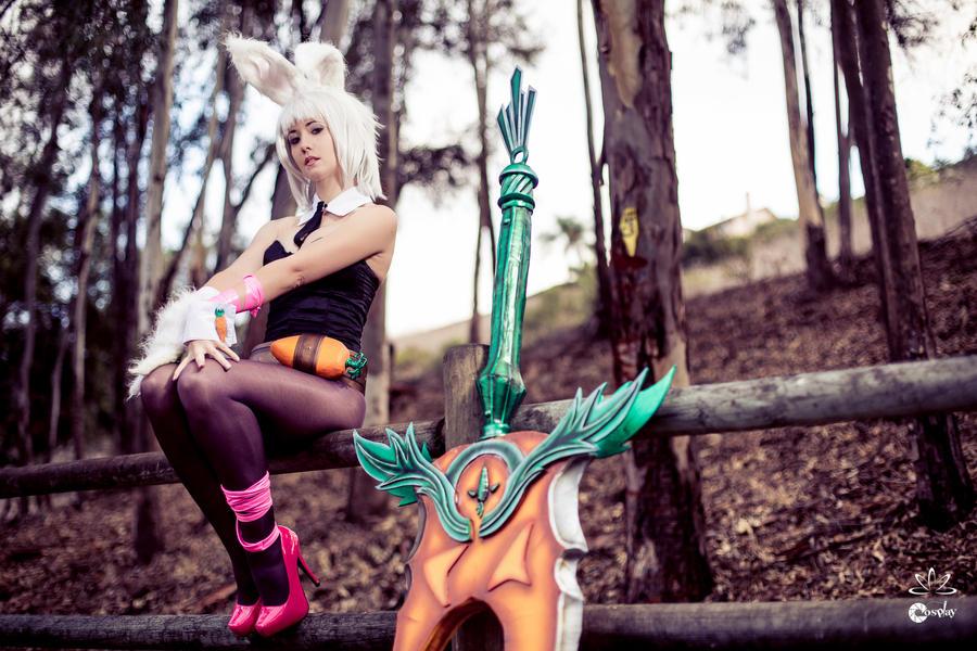 Battle Bunny Riven by ZerinaX
