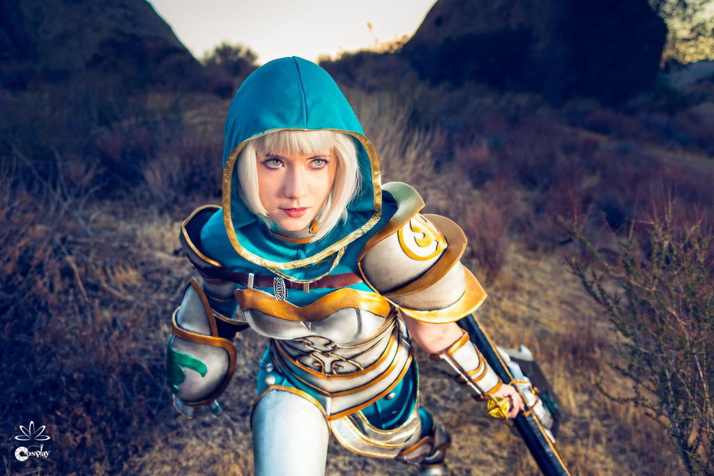 Redeemed Riven Cosplay - A Necessary Strike by ZerinaX