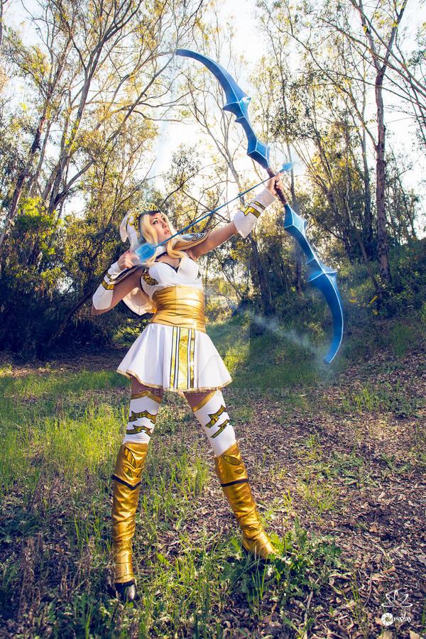 Freljord Ashe Cosplay - Hawkshot! by ZerinaX