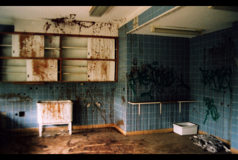 Abandoned Hospital Horror Room by Diesel74656 on DeviantArt