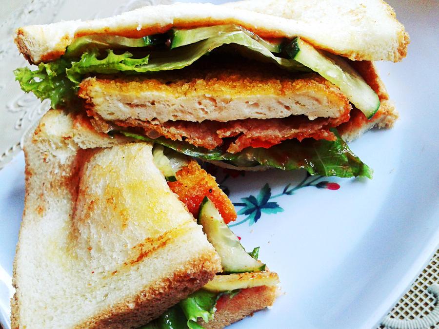 chicken sandwich 2 by fatal-complexes