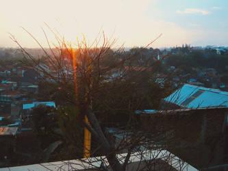 matahari mulai terbenam by fatal-complexes