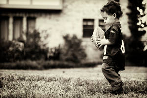 lil football guy by prettyfreakjesper