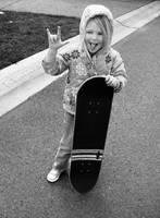 mini skater by prettyfreakjesper