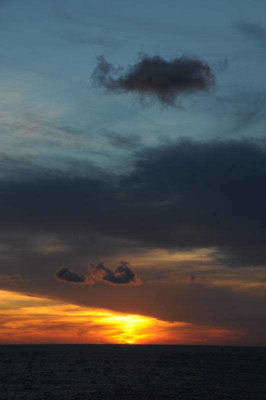 Ocean Sunset by DPasschier