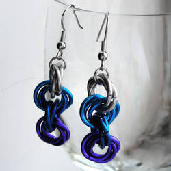 Icy Knotlet Earrings by Moppy