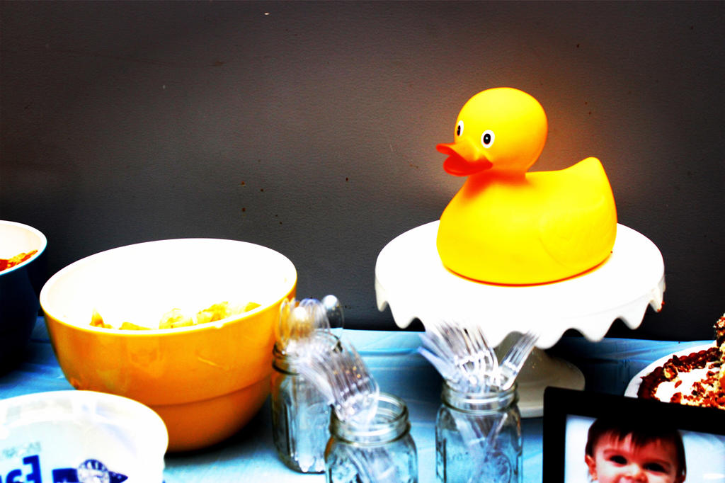 rubber duck wedding cake toppers rubber duck cake topper by georgiastarlite on deviantart 19439