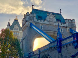 Sun behind Tower Bridge