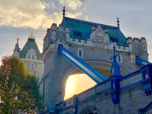 Sun behind Tower Bridge
