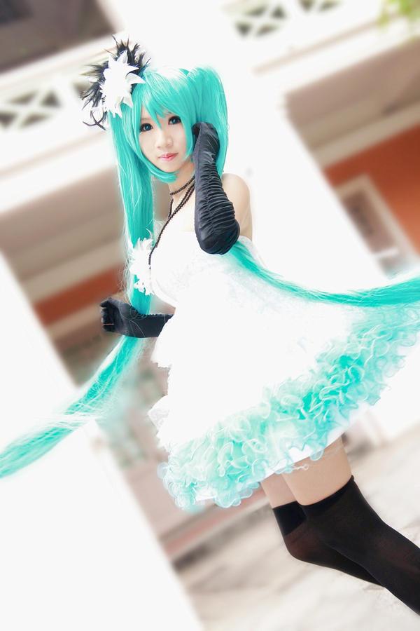 Vocaloid Camellia - Miku by Xeno-Photography