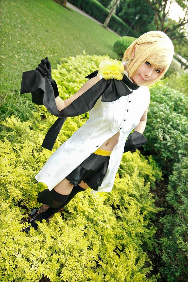 Vocaloid Camellia - Rin by Xeno-Photography