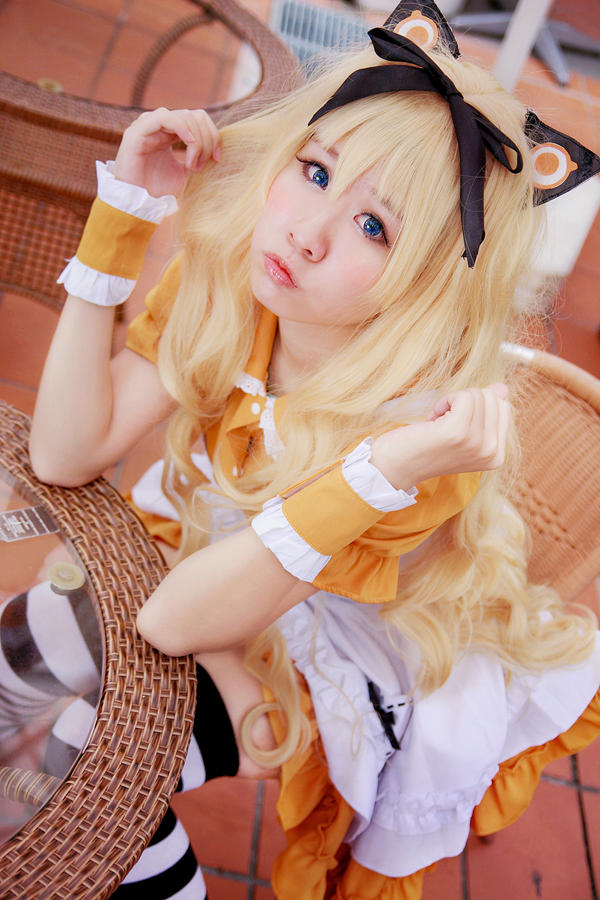 Vocaloid - Meido SeeU by Xeno-Photography
