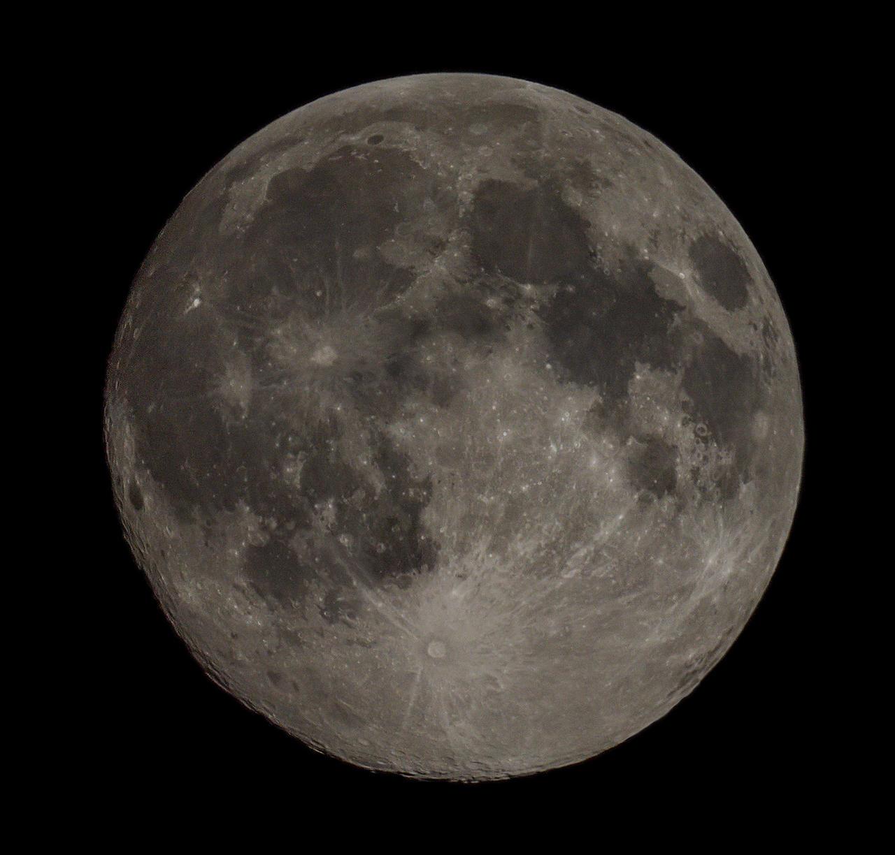 August Super Moon by Dracoart